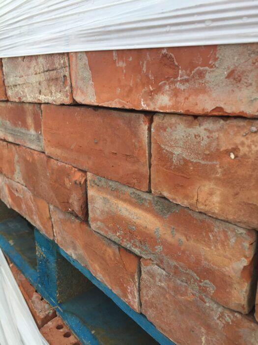 Outdoor facing brick